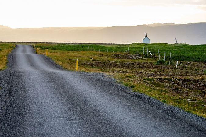 carretera_iglesia_islandia