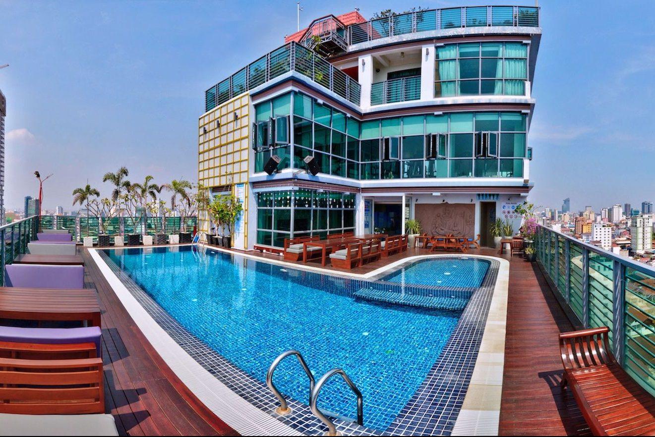 hotel con piscina en la capital de Camboya
